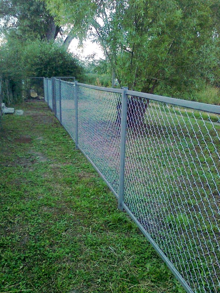 фото забор из сетки рабицы своими слову
